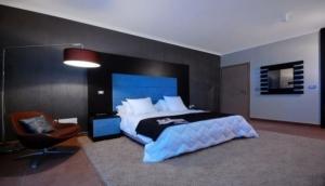 IO Furniture