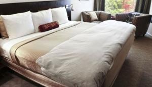 Momak Hotel & Suites Limited