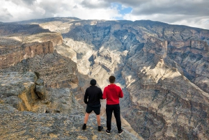 From Muscat: Day Trip to Jebel Shams, Oman's Grand Canyon