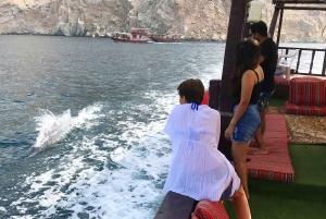 Khasab: Full-Day Khor Sham Dhow Boat Cruise with Lunch