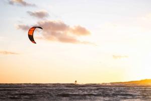 Muscat: Private Kitesurfing Lesson for Beginners