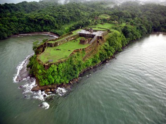 Icon places to see in Panama