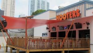 Hooters Panama