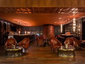 JW Marriott Hotel Bar