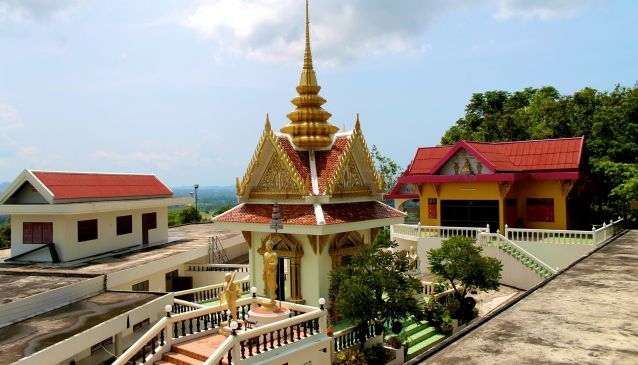 A Journey into Wat Khao Din
