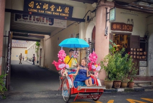 3-Hour Heritage Tour with Trishaw Ride