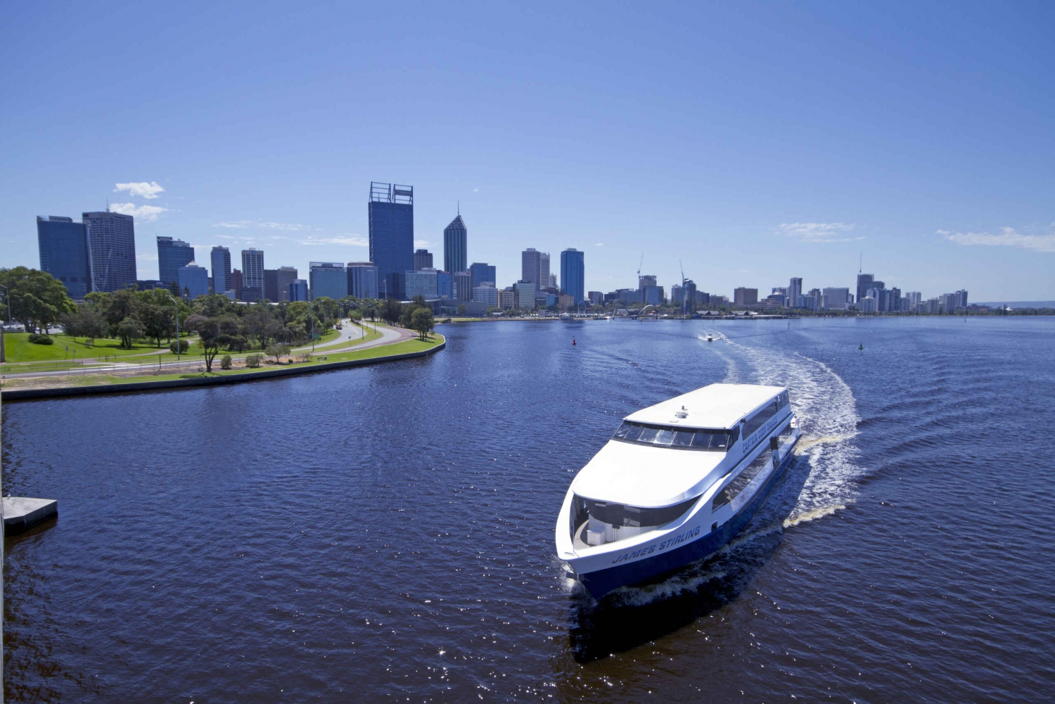 Fremantle Explorer: Round-Trip Swan River Cruise from Perth