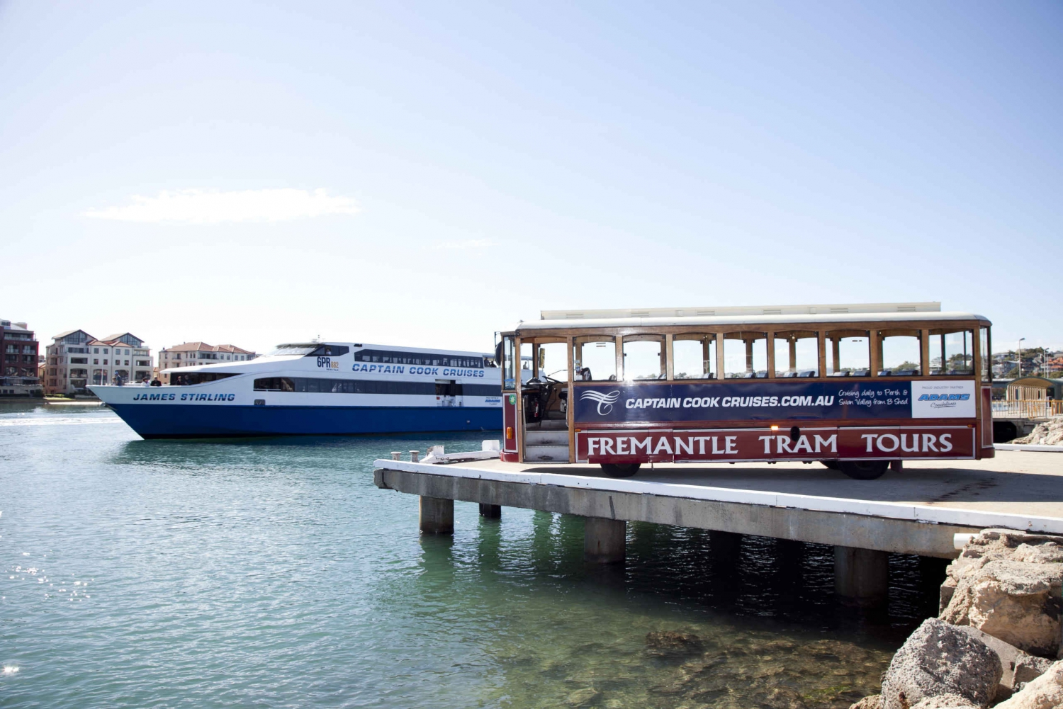 Perth Lunch Cruise with Fremantle Sightseeing Tram Tour