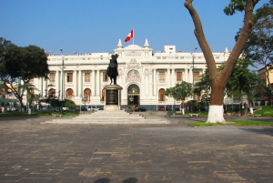 Lima: Flavors and Tradition Walking Tour with Food Tasting