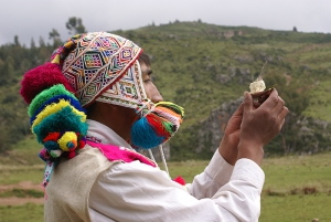 Peru of Living Cultures - Payments offered to the Earth