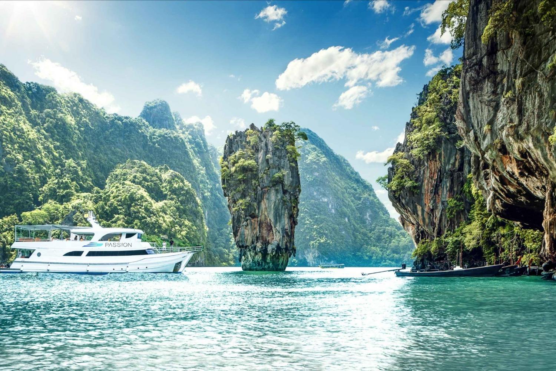 Luxury Sunset Cruise: James Bond & Hong Island with Kayaking