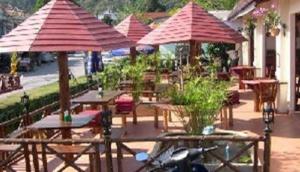 Montes Restaurant & Bar