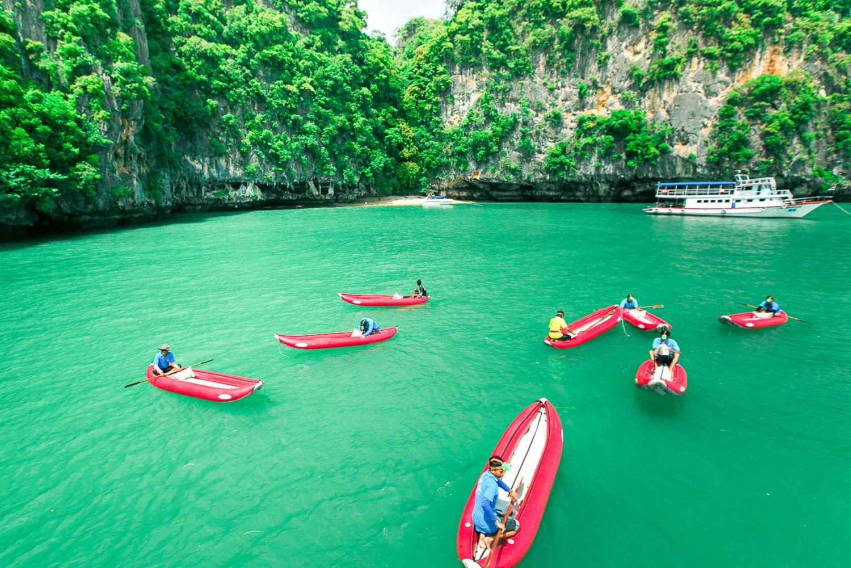 Phang Nga Bay: Full-Day Kayaking Tour by Boat from Phuket