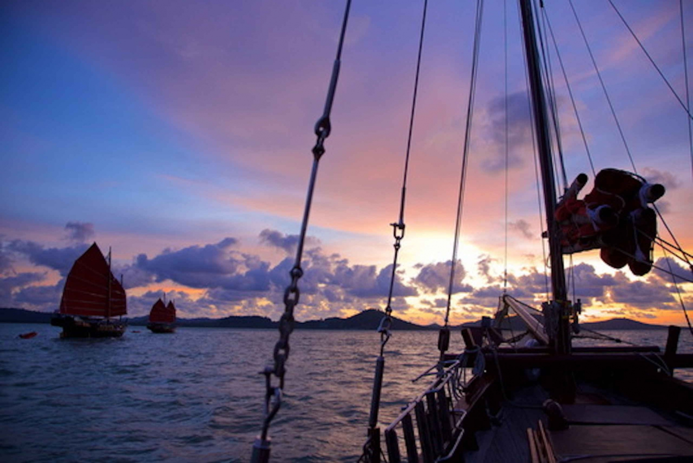 Phang Nga Bay: Sunset Dinner Cruise