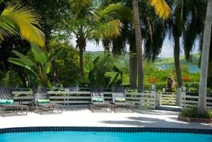 Club Seabourne Pool Area
