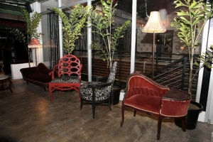 Di Zucchero Upstairs Lounge