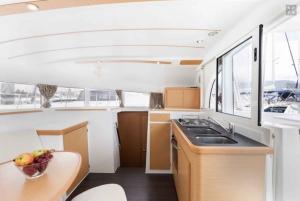 Fajardo: Catamaran Sailing Cruise with Lunch