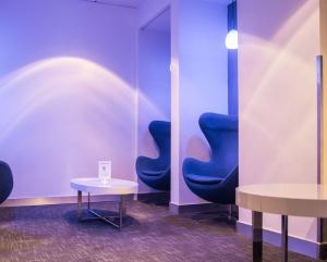 Lounge Cubicles