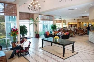 Lobby Hampton Inn & Suites, Isla Verde