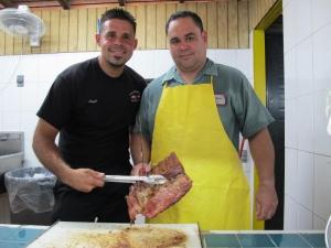 Ángel and Luis, Pollos Neco