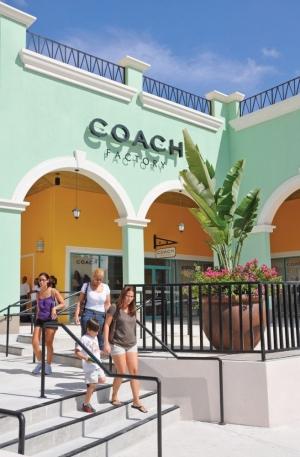 Puerto Rico Premium Outlets Coach Store