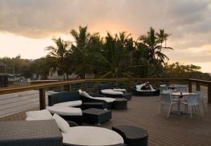 Tamboo Upper Deck Lounge