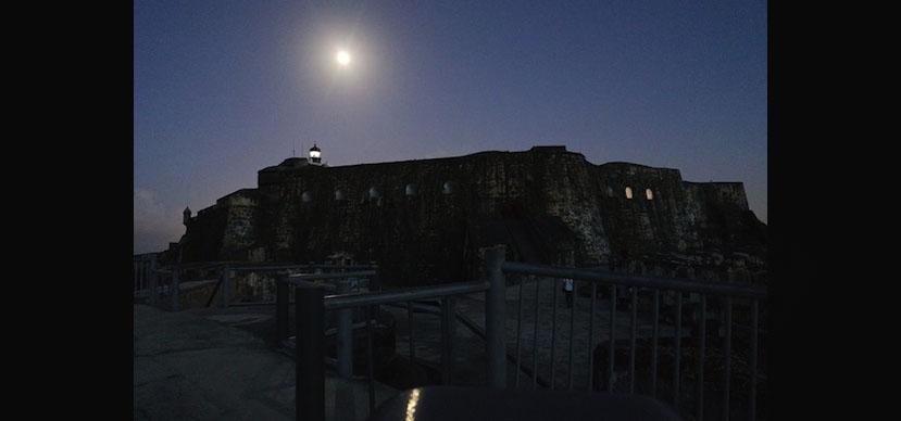 El Morro by Moonlight/El Morro a la luz de la luna