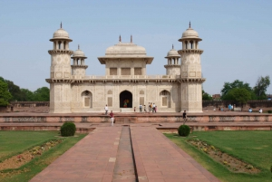 Agra: Private Overnight Tour from Jaipur