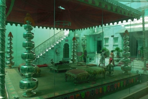 City Palace: Vintage Car Museum & Crystal Gallery Half-Day
