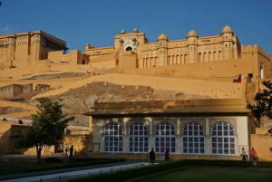 From Delhi: 6-Day Golden Triangle and Udaipur Private Tour