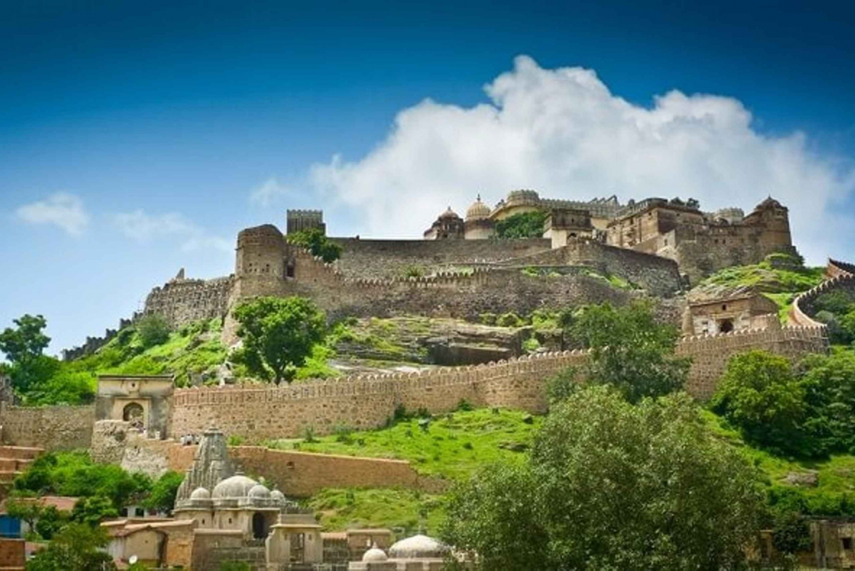 From Udaipur: Private Transfer to Jodhpur via Ranakpur