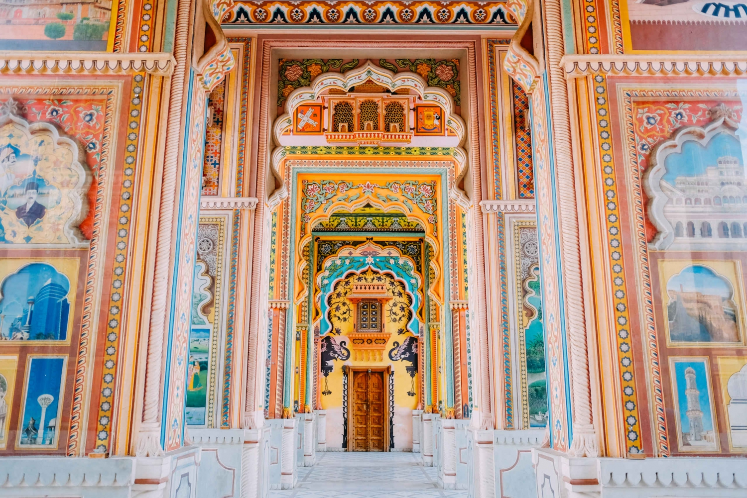 Jaipur: City Palace, Hawa Mahal & Jantar Mantar Private Tour