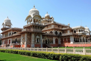 Jaipur: Skip-the-Line Entry Ticket to 8 Attractions