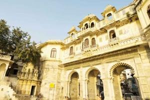 Udaipur: Bagore Ki Haveli Museum Cultural Show with Pickup