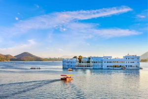 Udaipur: Full Day Private City Tour with Optional Boat Ride
