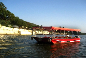 Udaipur Full-Day Private Tour with Boat Ride and Lunch