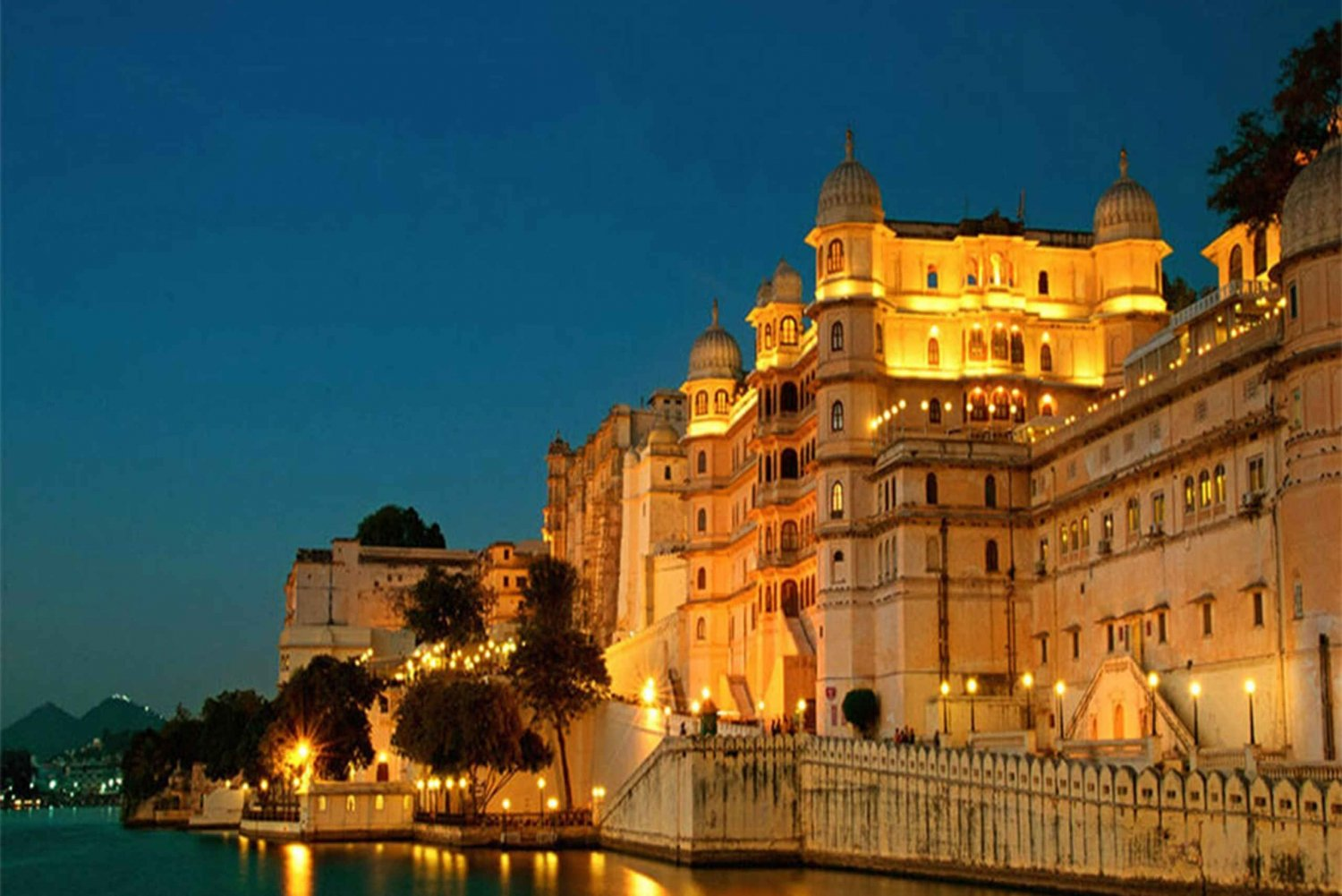 Udaipur: Private City Tour and Jagdish Temple