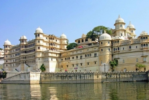 Udaipur: Private Transfer From Airport to Hotel