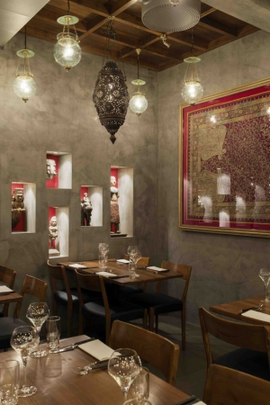 The interior of Austur India Fjelagid is authentically Indian, while being supremely tactful and rather minimal. A perfect setting for a meal.