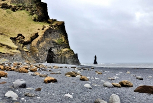 From Reykjavik: Iceland's South Coast Day Tour by Minibus