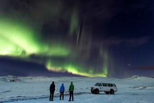 From Reykjavík: Northern Lights Super Jeep Tour