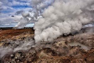 From Reykjavik: Small-Group Reykjanes Geopark Tour