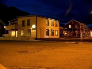 Ísafjörður at night.