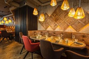 Comfortable dining area in Kol