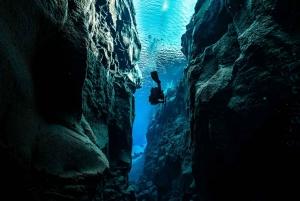 Reykjavik: Diving in Silfra with Underwater Photos