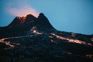 Reykjavík: Erupting Volcano Hike and Reykjanes Tour