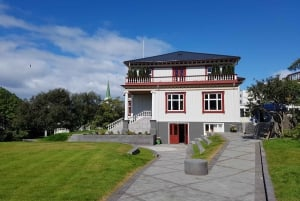 Reykjavík: Historical Walking Tour with Lunch
