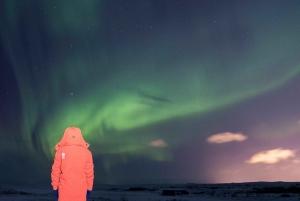 Reykjavik: Northern Lights Photo Tour & Aurora Center Ticket