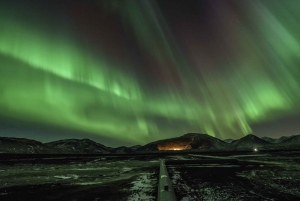 Reykjavik: Northern Lights Small Group Tour