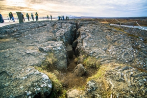 Reykjavik: Private Golden Circle and South Coast Tour